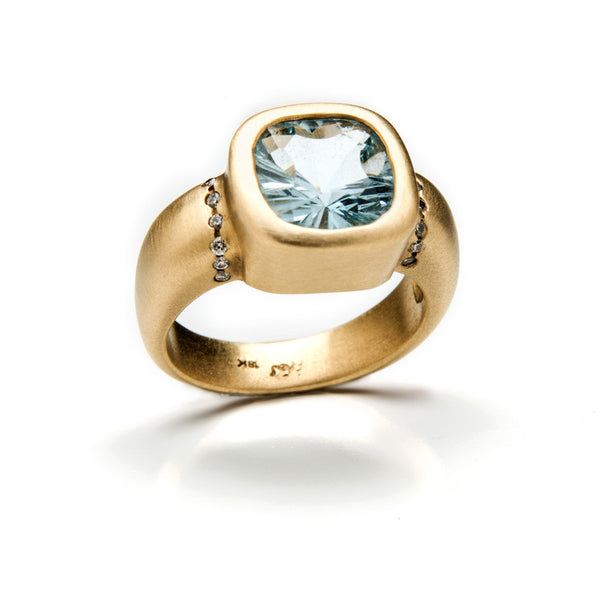 Glam gold square ring