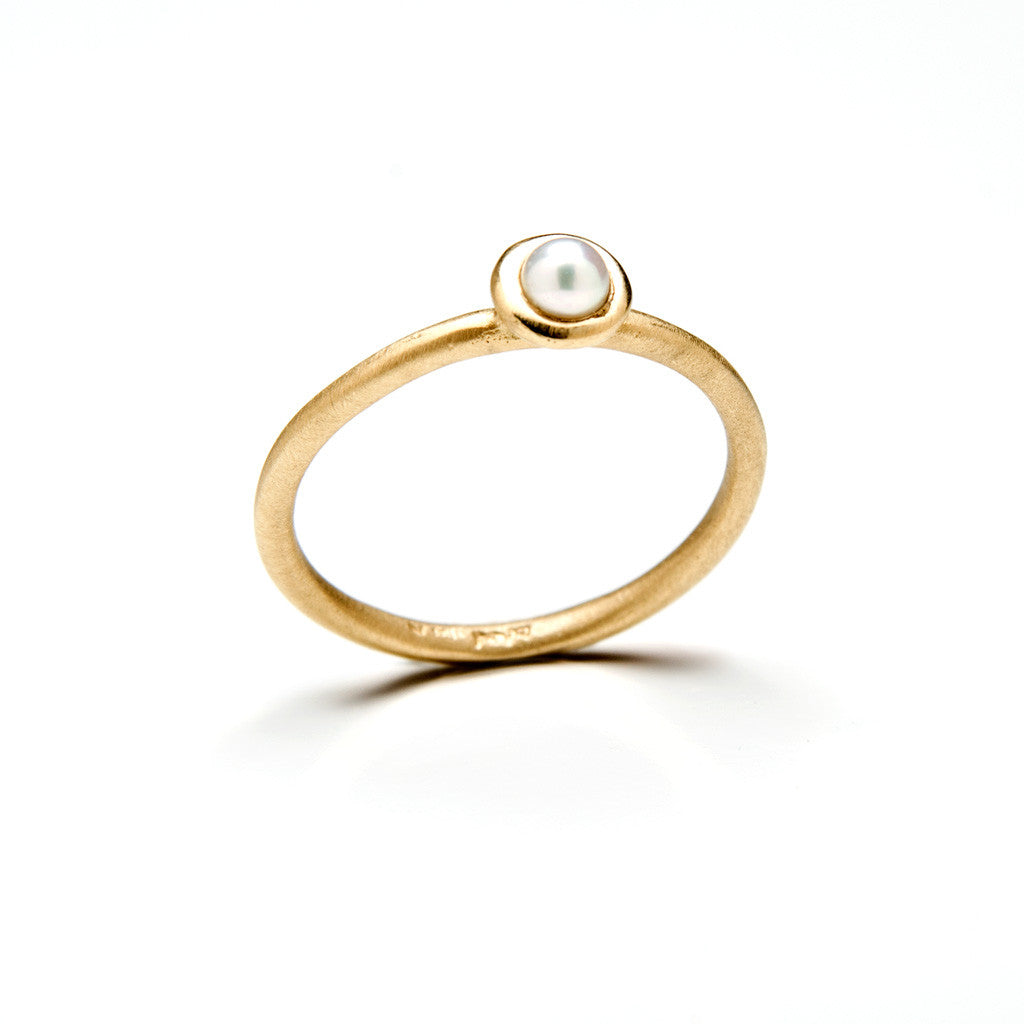Perla gold ring