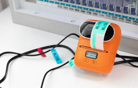 Use M110 pocket printer to record the ins and outs of each cable to realize visual management