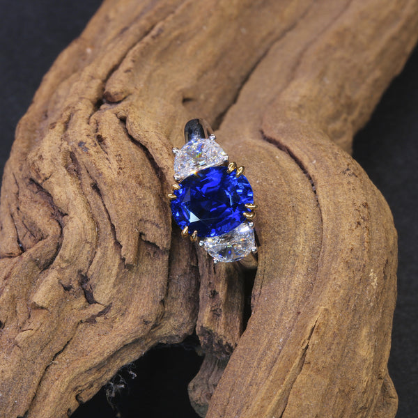 Passion Collection blue sapphire & diamond ring
