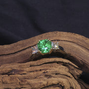 Passion Collection Emerald & Hearts On Fire diamond ring