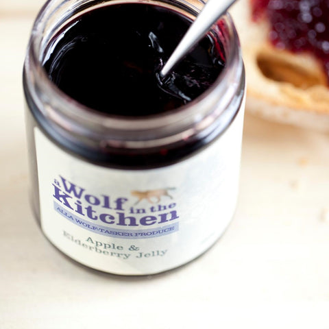 Apple & Elderberry Jelly - A Wolf in the Kitchen