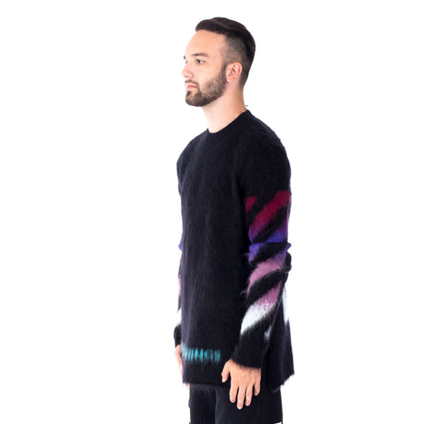 Brushed Arrows Pull Sweater