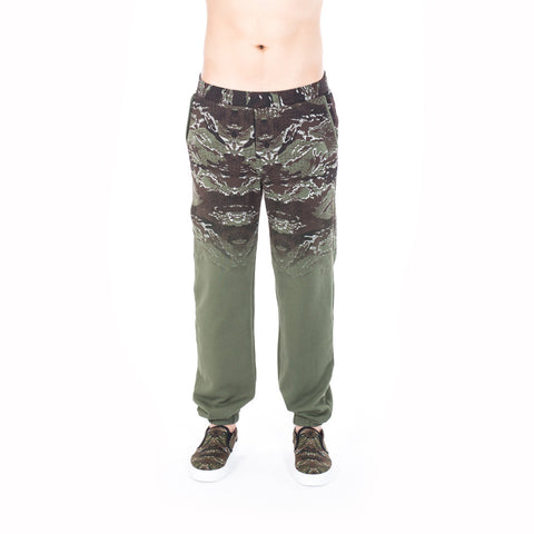 Marcelo Burlon Banes Sweatpants at Feuille Luxury - 1