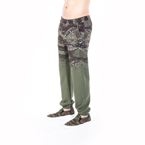 Marcelo Burlon Banes Sweatpants at Feuille Luxury - 3