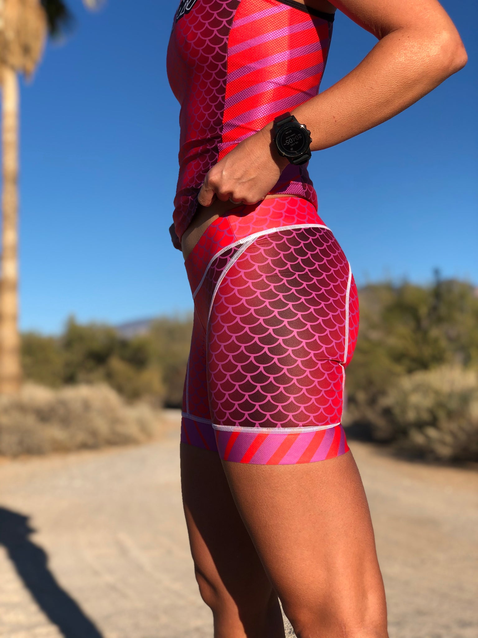 "Lava Berry Women's 5"" Tri Short"