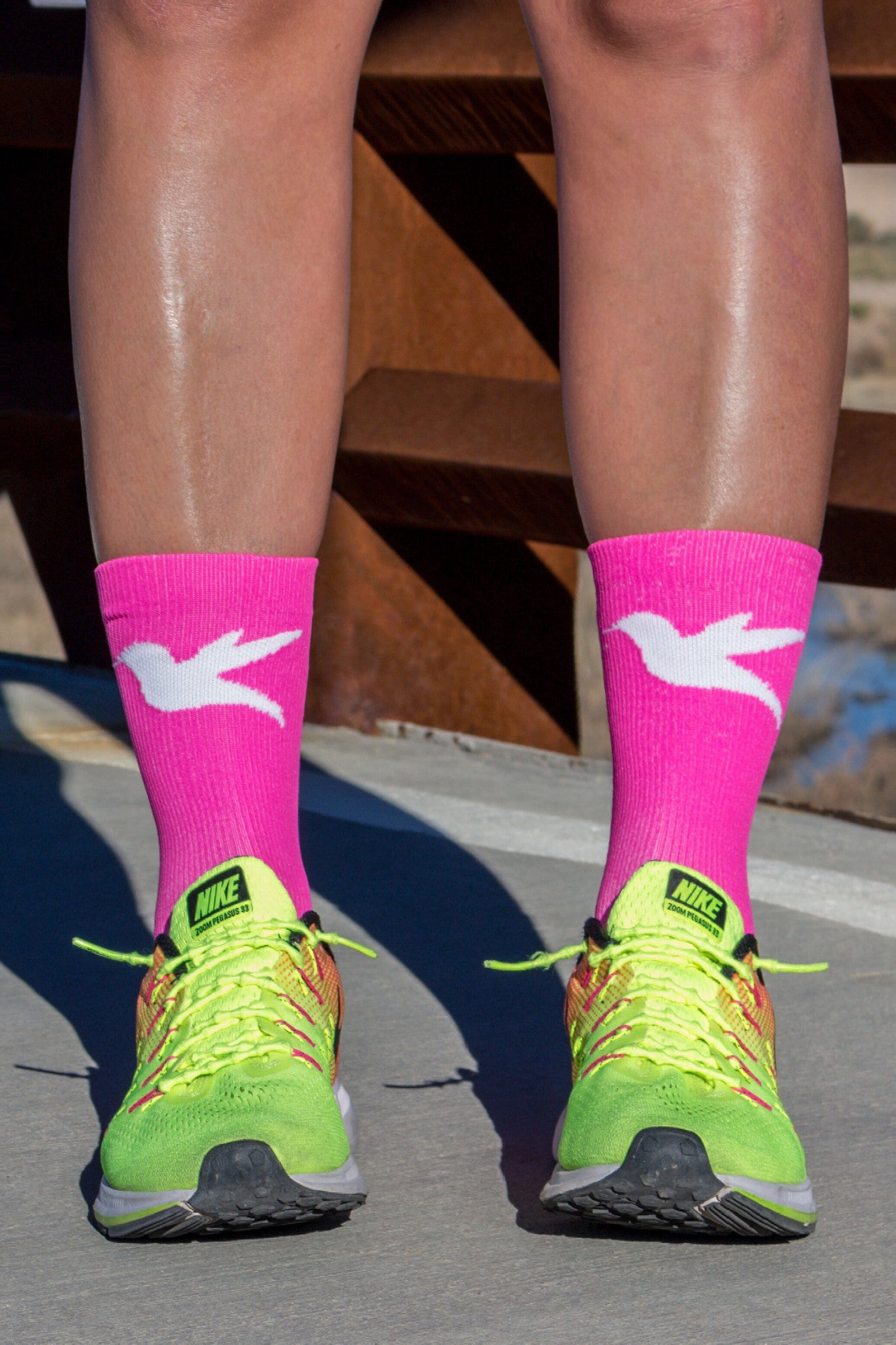"7"" Hummingbird Run & Cycling Compression Sock in Fluoro Pink & White"