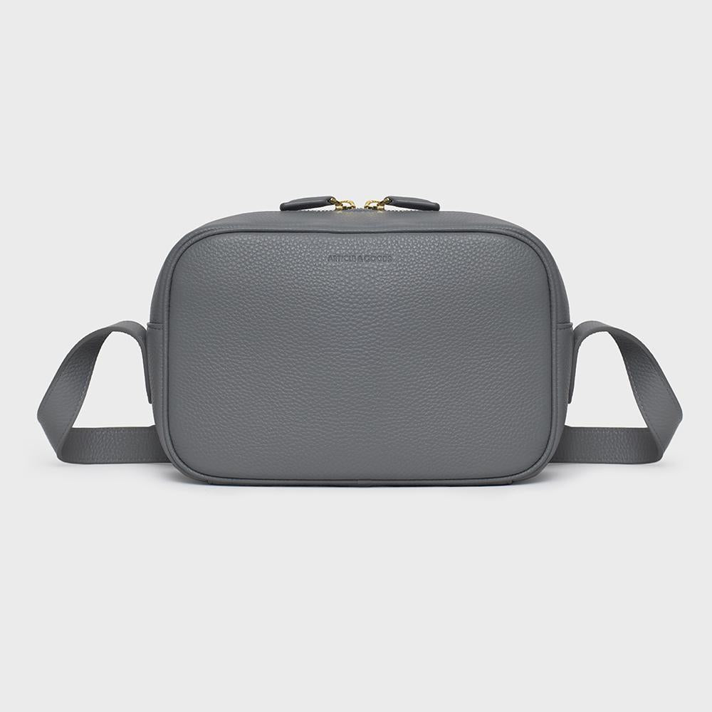 Camera Crossbody - No° B2 - Grey Pebble Grain