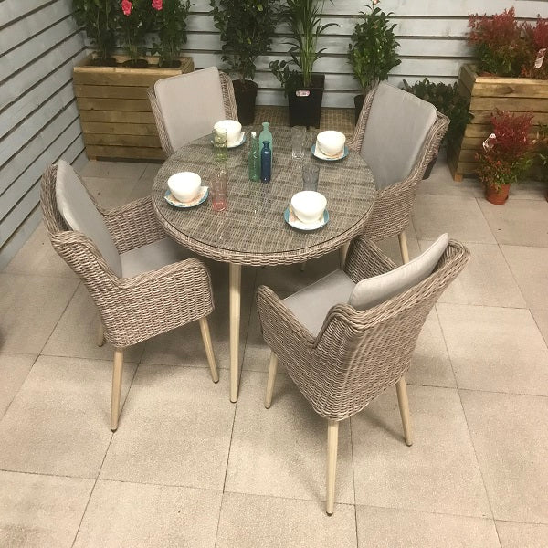 Signature Weave Danielle 4 Chair Round Dining Set - GardenPromos