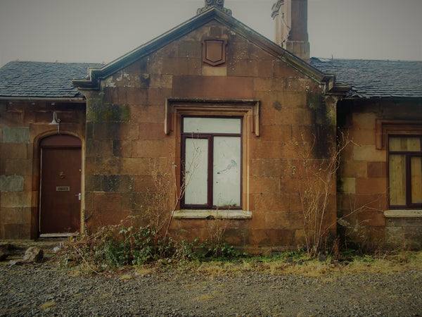 19th Century Dismantled Sandstone Cottage