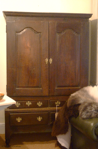 18th Century Oak Linen Press