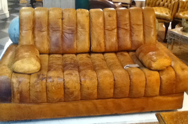 A Sede Leather Chaise