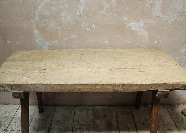Sycamore Preparation Table