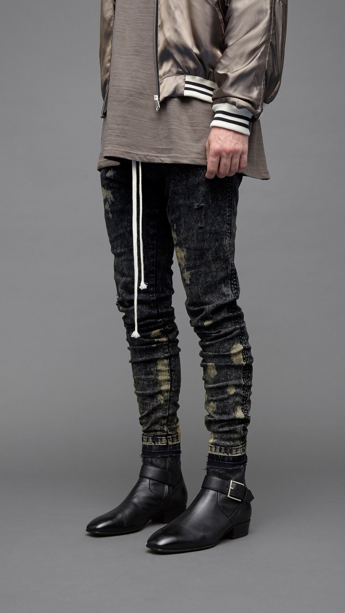 Essential Denim - Grey Bleach