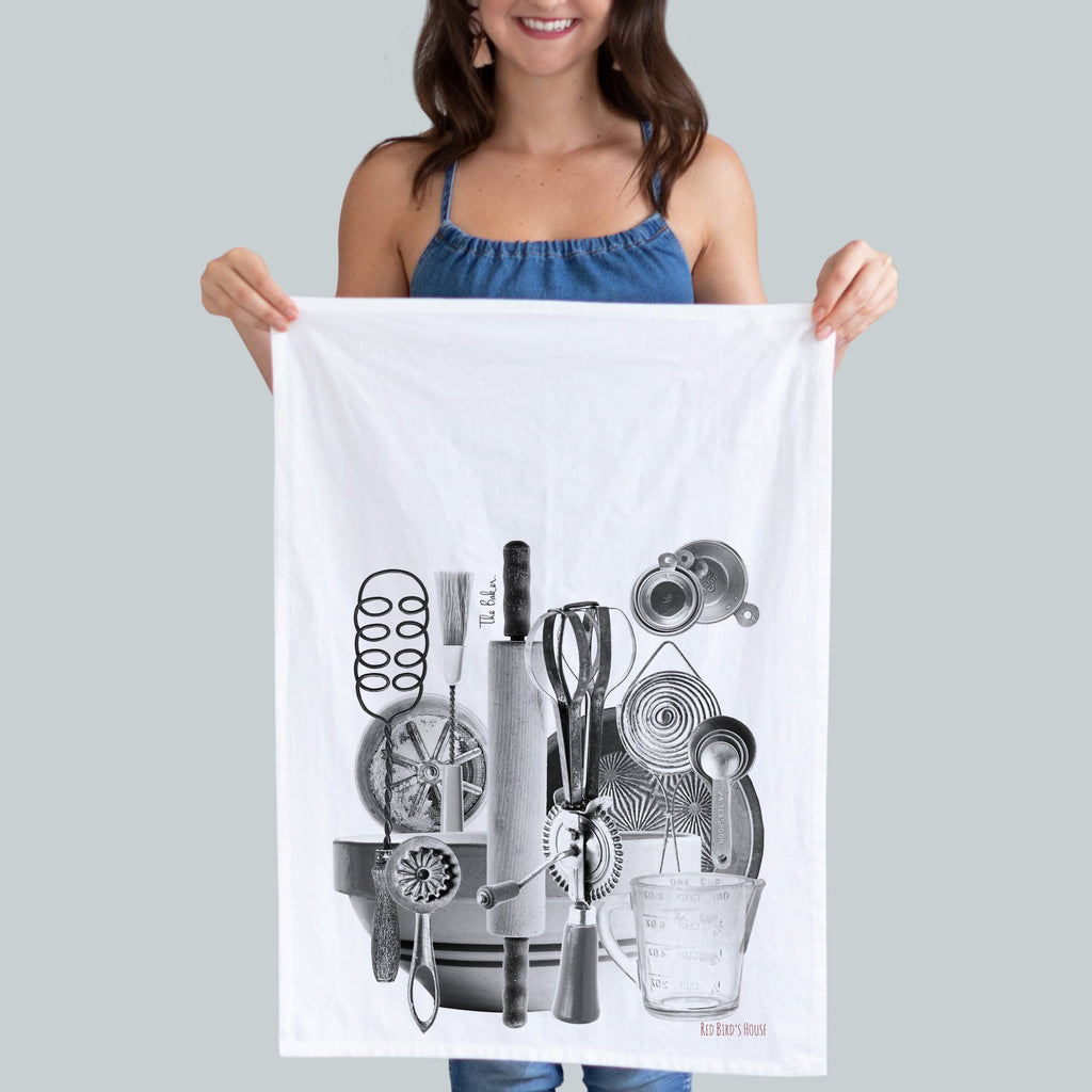 gift giving made easy.  A gift for mom.  Hostess gift.  Baker kitchen towel.
