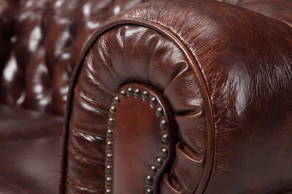 Accoudoir du canapé Chesterfield Original