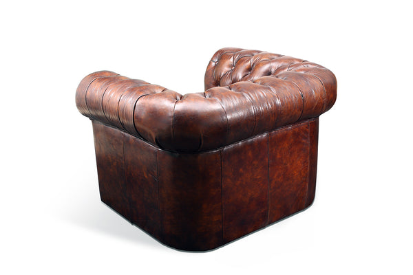 Fauteuil Chesterfield en cuir marron Antique Rose & Moore de dos
