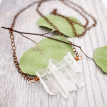 Load image into Gallery viewer, Crystal Quartz Points Necklace