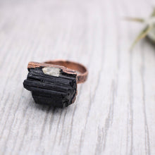 Load image into Gallery viewer, Black Tourmaline Copper Ring