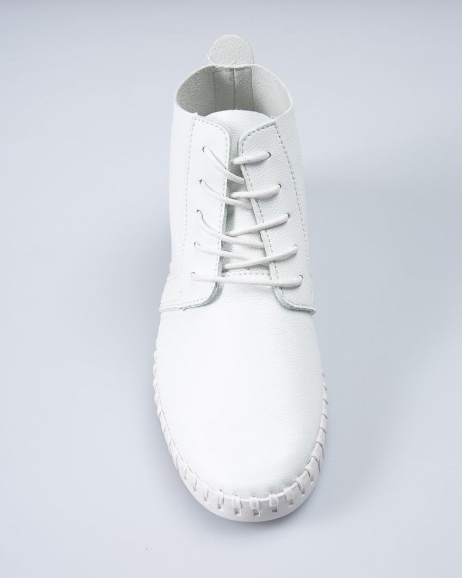 Saw-Tooth Chukka Boot - White