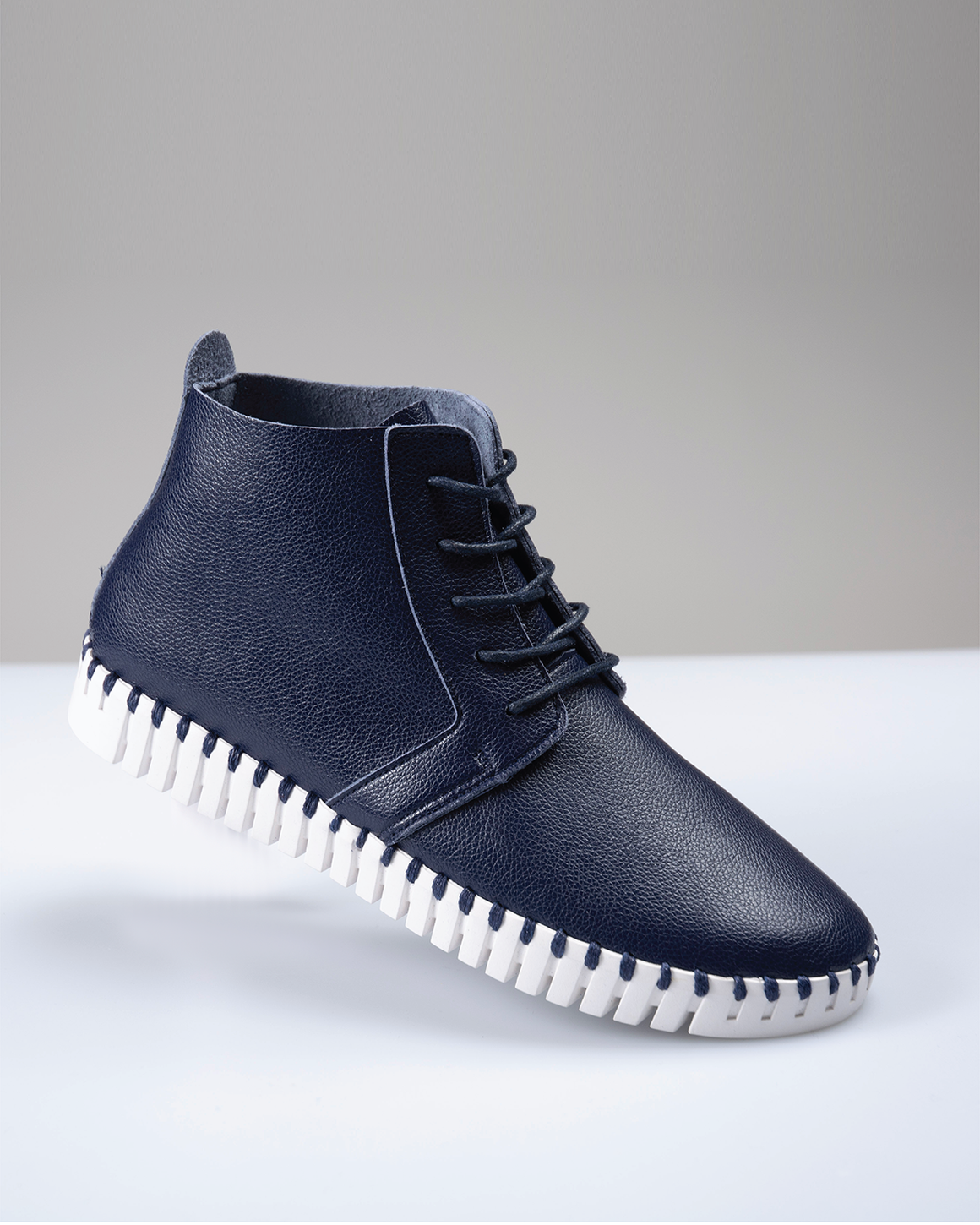 Saw-Tooth Chukka Boot - Navy