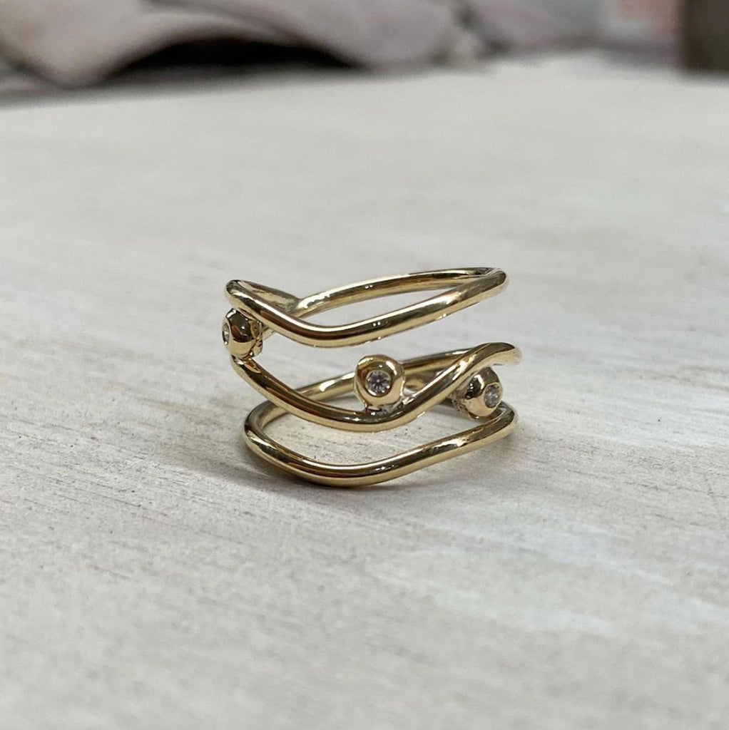 Gold Wavee Wire Ring with Diamonds