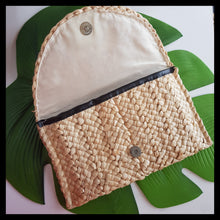 Load image into Gallery viewer, Unique Woven Clutch - White Tipani