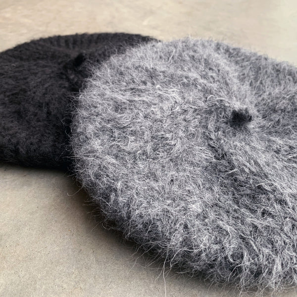 karakoram : alpaca wool beret in carbon