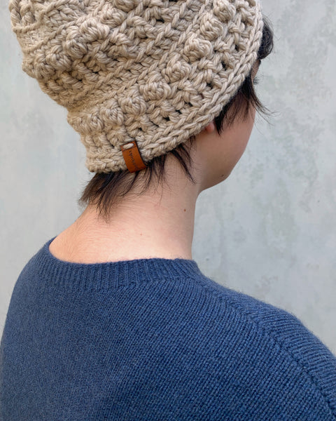 shyhooks : flax beanie with natural pompom