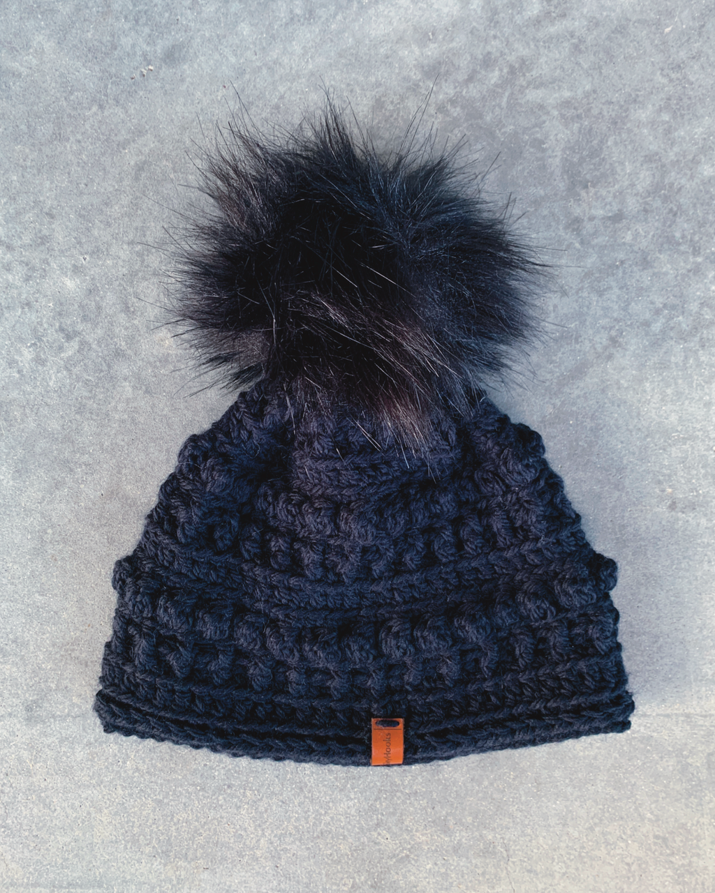 shyhooks : carbon beanie with carbon pompom