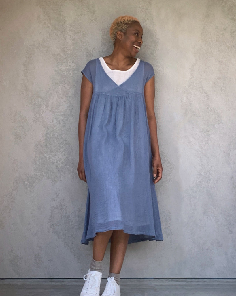 ban inoue : karamiori linen dress in wren