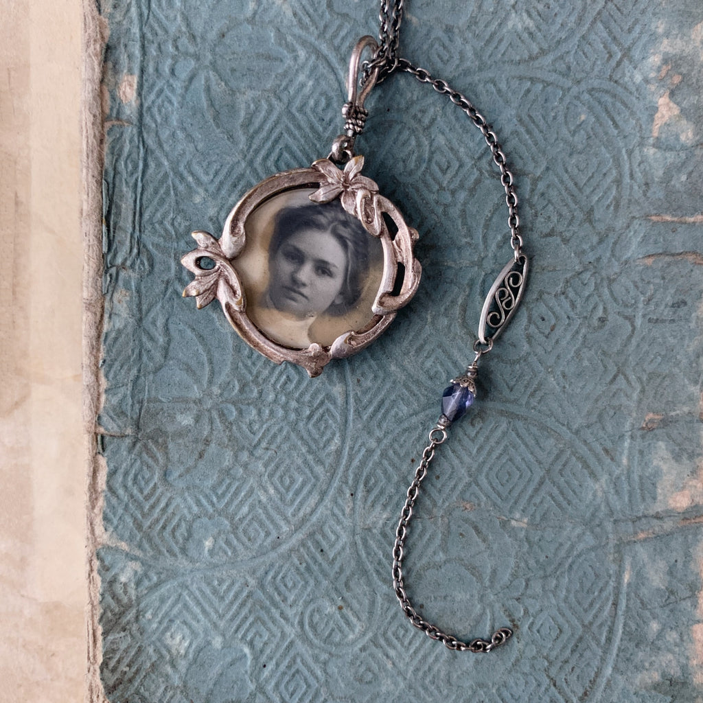 tabito : steel necklace with antique picture frame pendant
