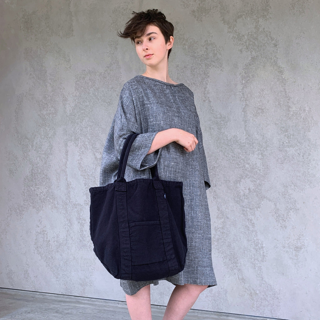 make up co. : washed canvas tote in ink