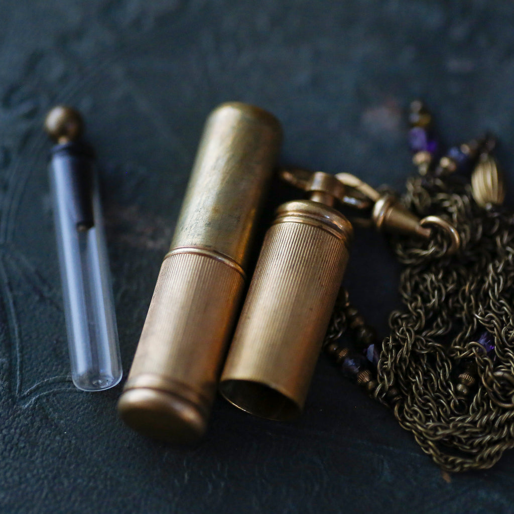 tabito : brass pendant necklace
