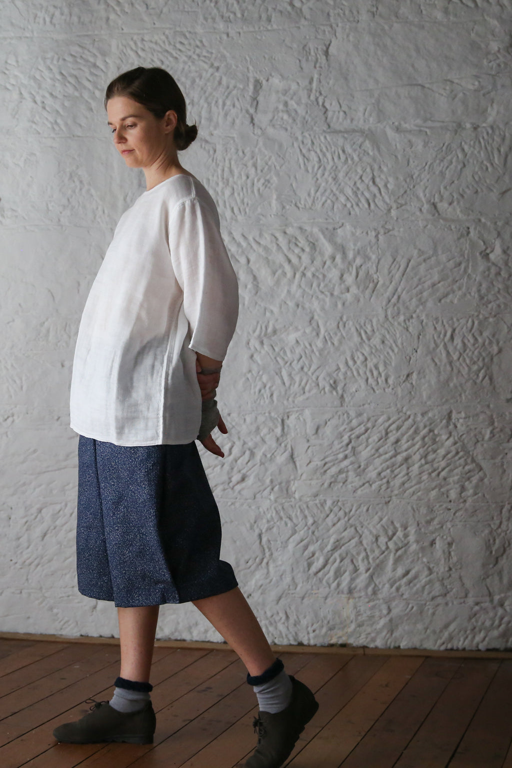 ban inoue : caya smock with long sleeves in chalk