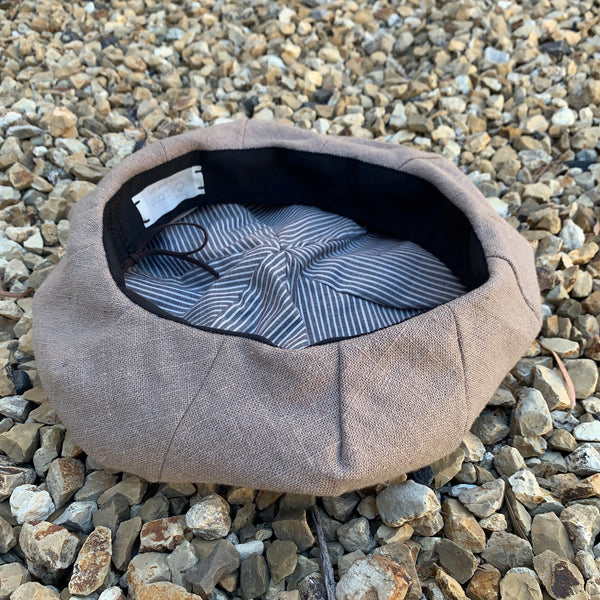 eritate : walnut drawstring beret