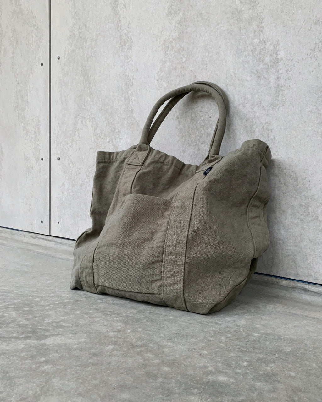 make up co. : washed canvas tote in khaki
