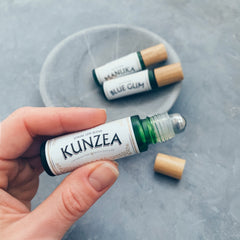 pure oils of tasmania : kunzea stress less roll on blend