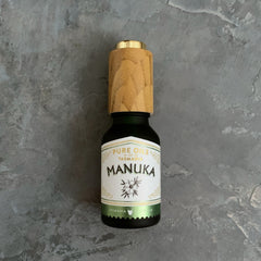 pure oils of tasmania : manuka essential oil
