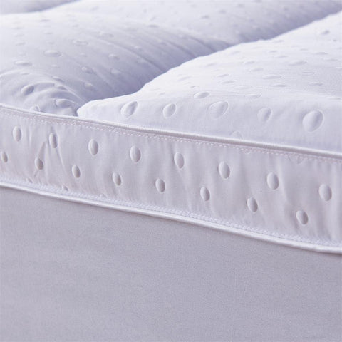 the bed topper queen can use with an electric blanket