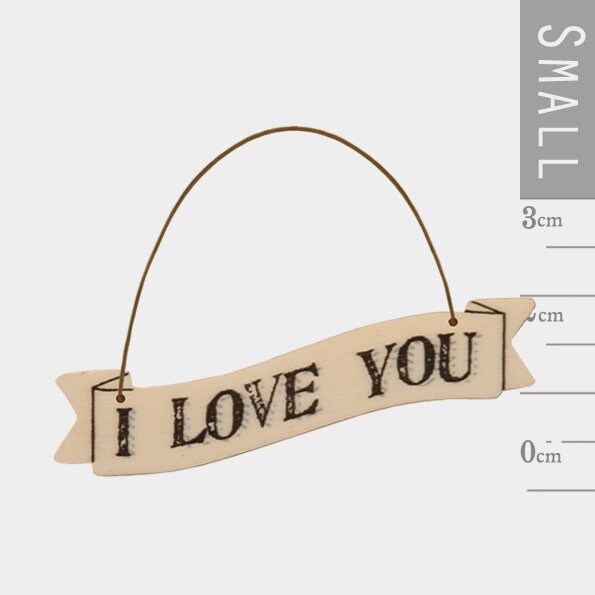 East Of India: Small Ribbon Word Hanger - I Love You