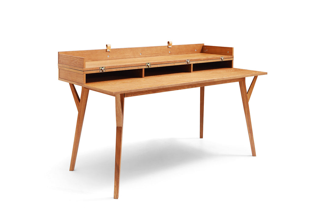 Bureau design scandinave en bois et convertible emme for Meuble bureau scandinave