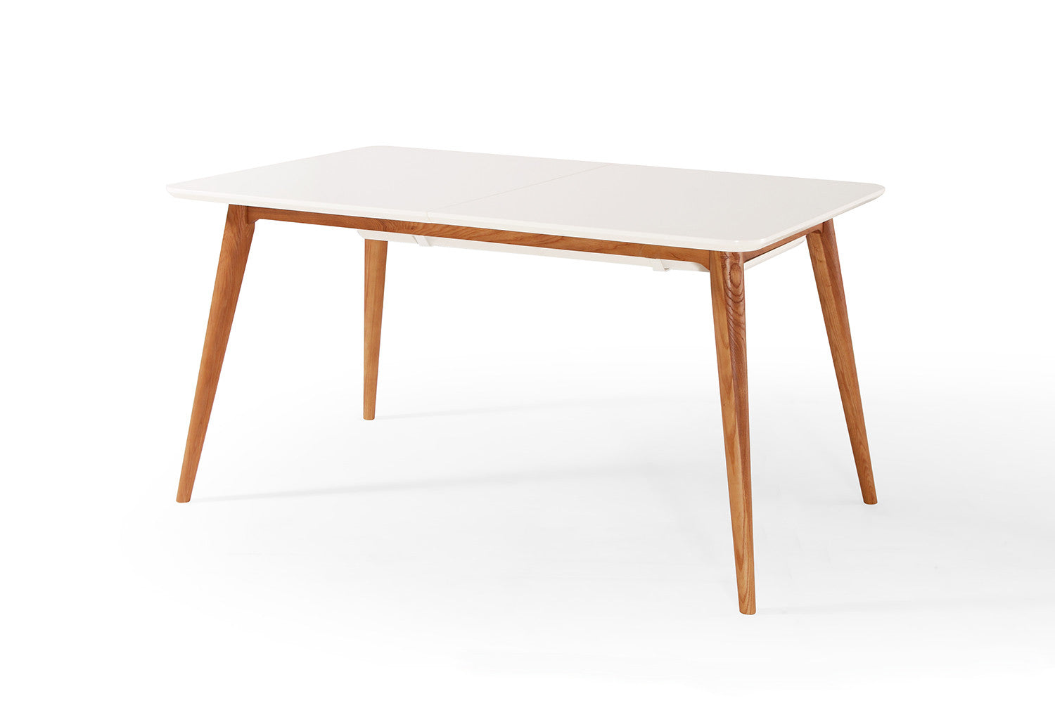 Table salle a manger scandinave avec des for Table manger extensible
