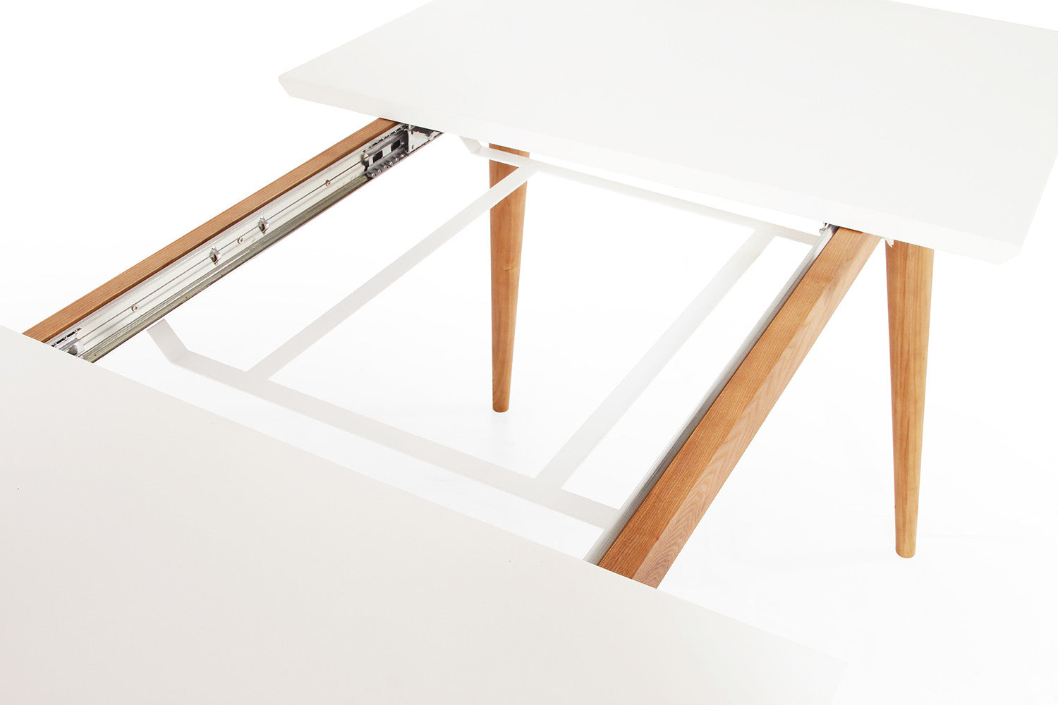 Table de salle manger extensible scandinave wyna dewarens for Table a manger blanche extensible