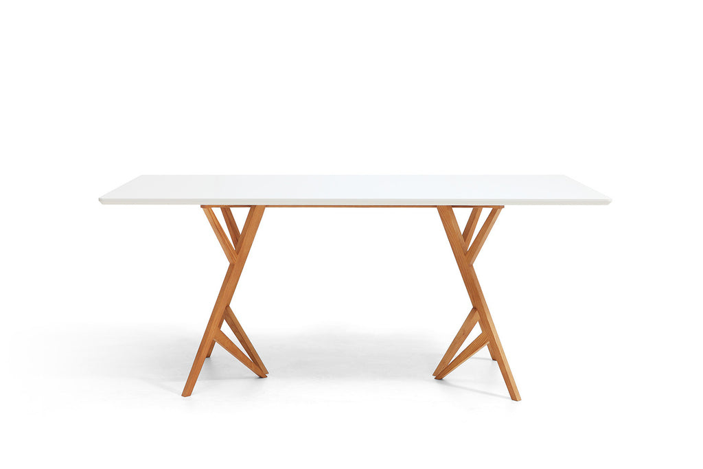 Table de salle manger design scandinave vispa dewarens for Table scandinave blanche