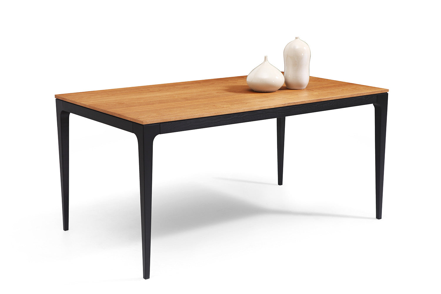 Table a manger design bois for Table salle manger bois massif design
