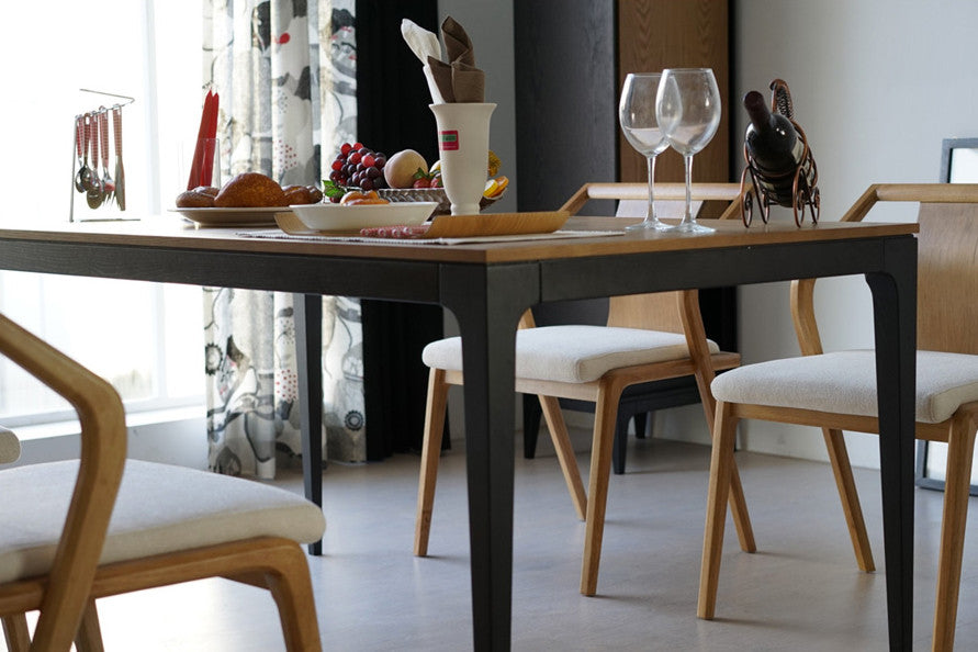 Table salle a manger design pied central maison design for Table salle a manger bois