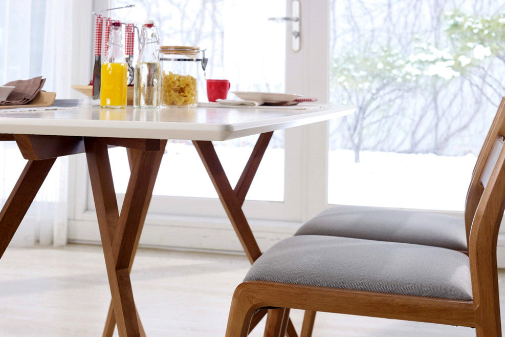 Table de salle manger design scandinave vispa dewarens for Table salle a manger unique