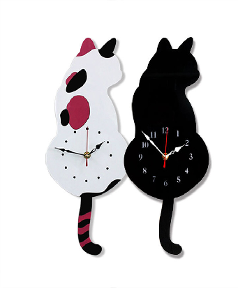 Clock with moving tail