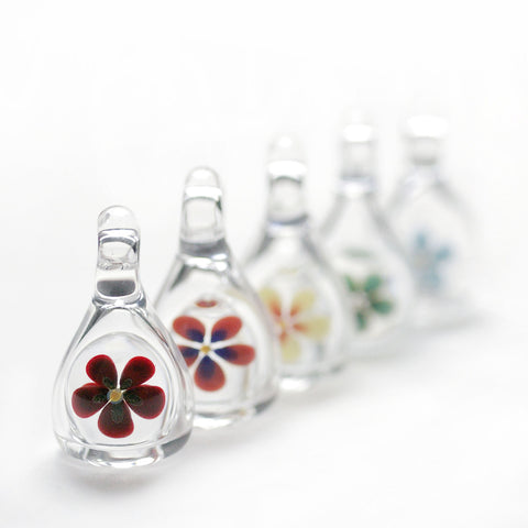 Aromatherapy Pendants - Clear with Flower